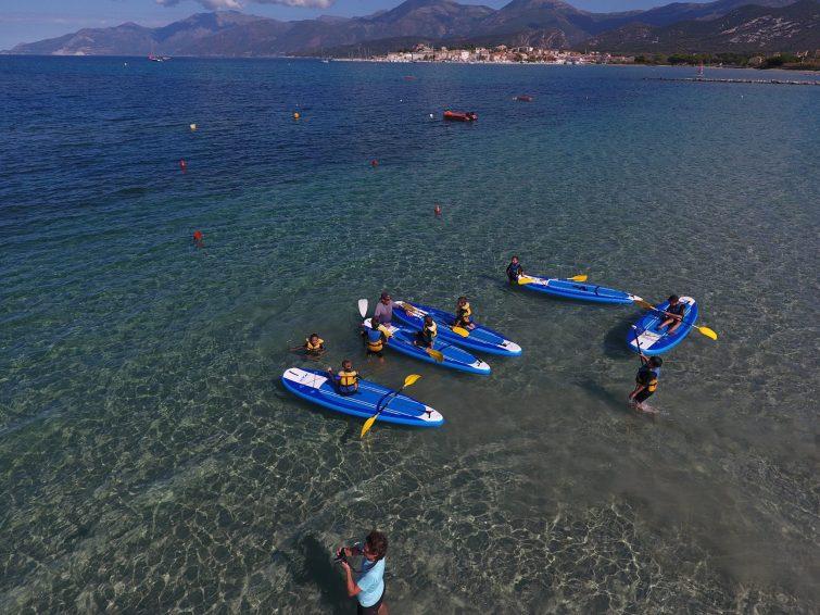 Visiter le Désert des Agriates en kayak