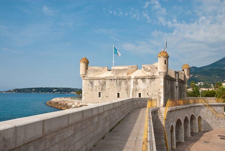 Visiter Menton et son Fort Bastion, devenu un musée dédié à Jean Cocteau