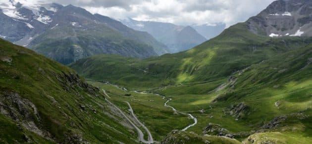 Roadtrip sur la Route des Grandes Alpes : les étapes incontournables