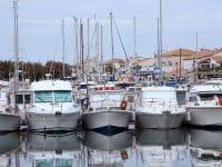 Louer un bateau aux Saintes-Marie-de-la-Mer