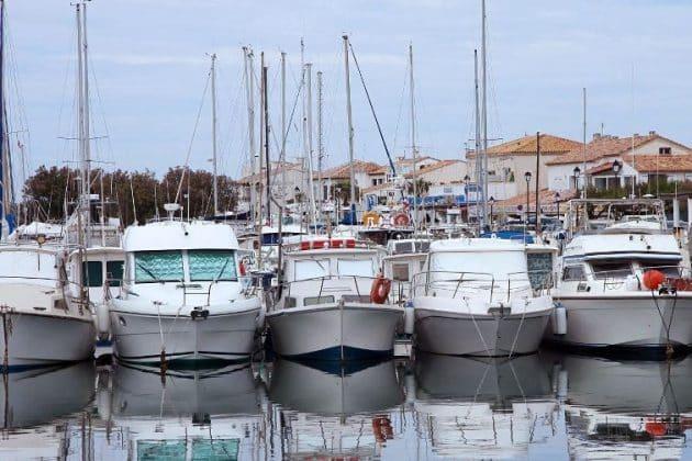 Location de bateau aux Saintes-Marie-de-la-Mer : comment faire et où ?