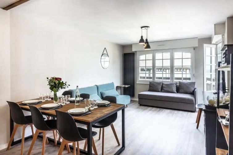 LOFT vue mer, hyper centre, parking privé neuf - Airbnb Villers-sur-Mer