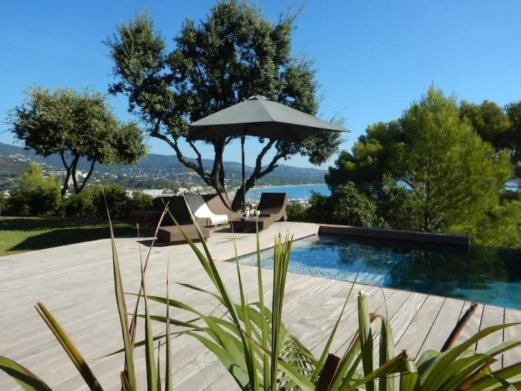 Villa Maeva : vue mer, piscine, 6/8 personnes