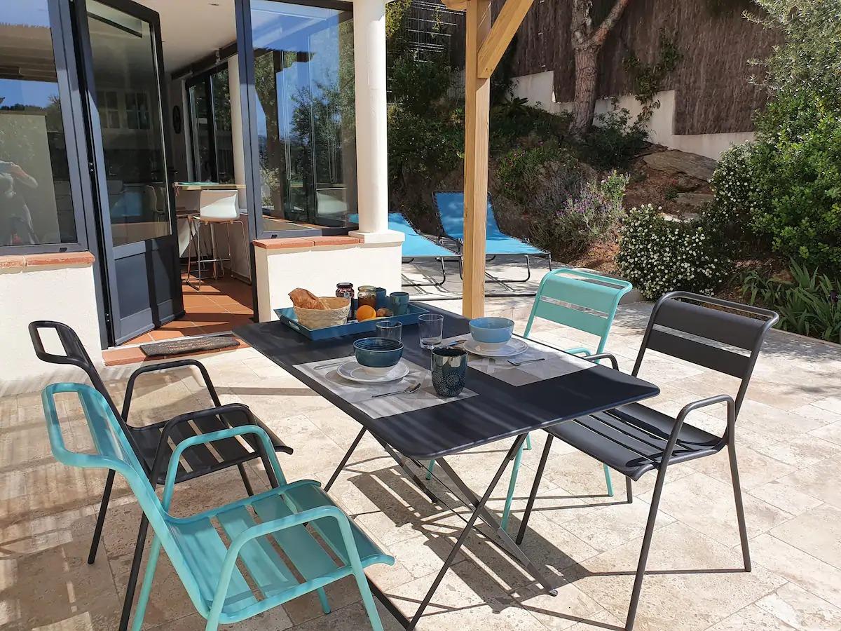 Charmant T2***climatisé, terrasse arborée, parking