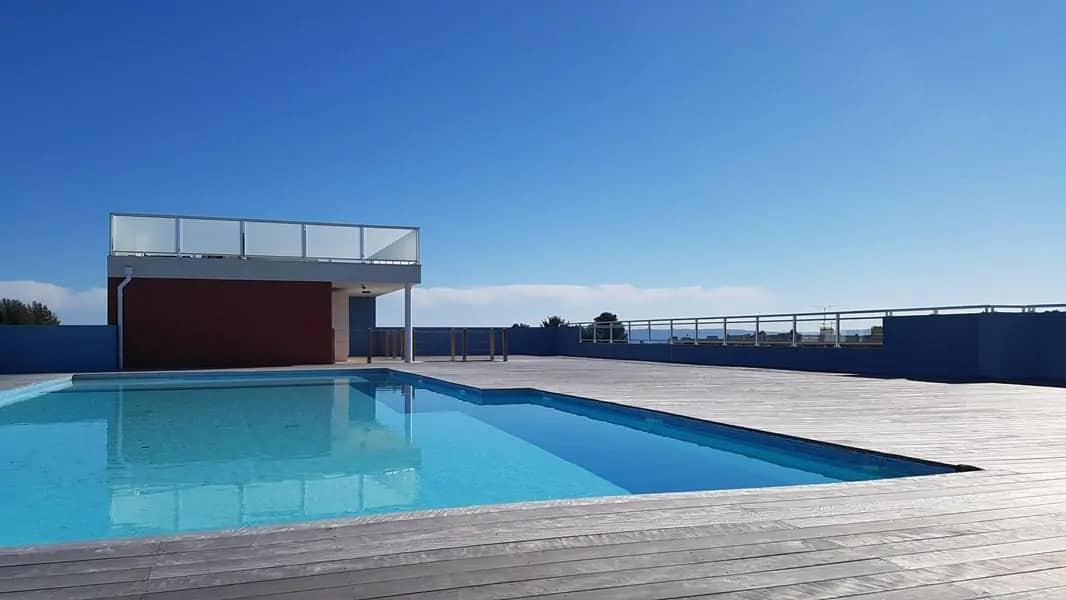 Piscine sur toit terrasse panoramique / 400m plage et commerces