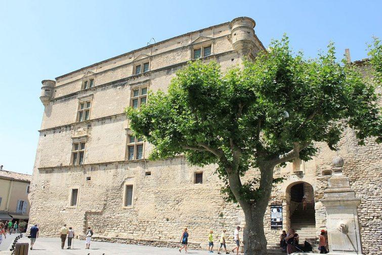 visiter luberon : Chateau Gordes