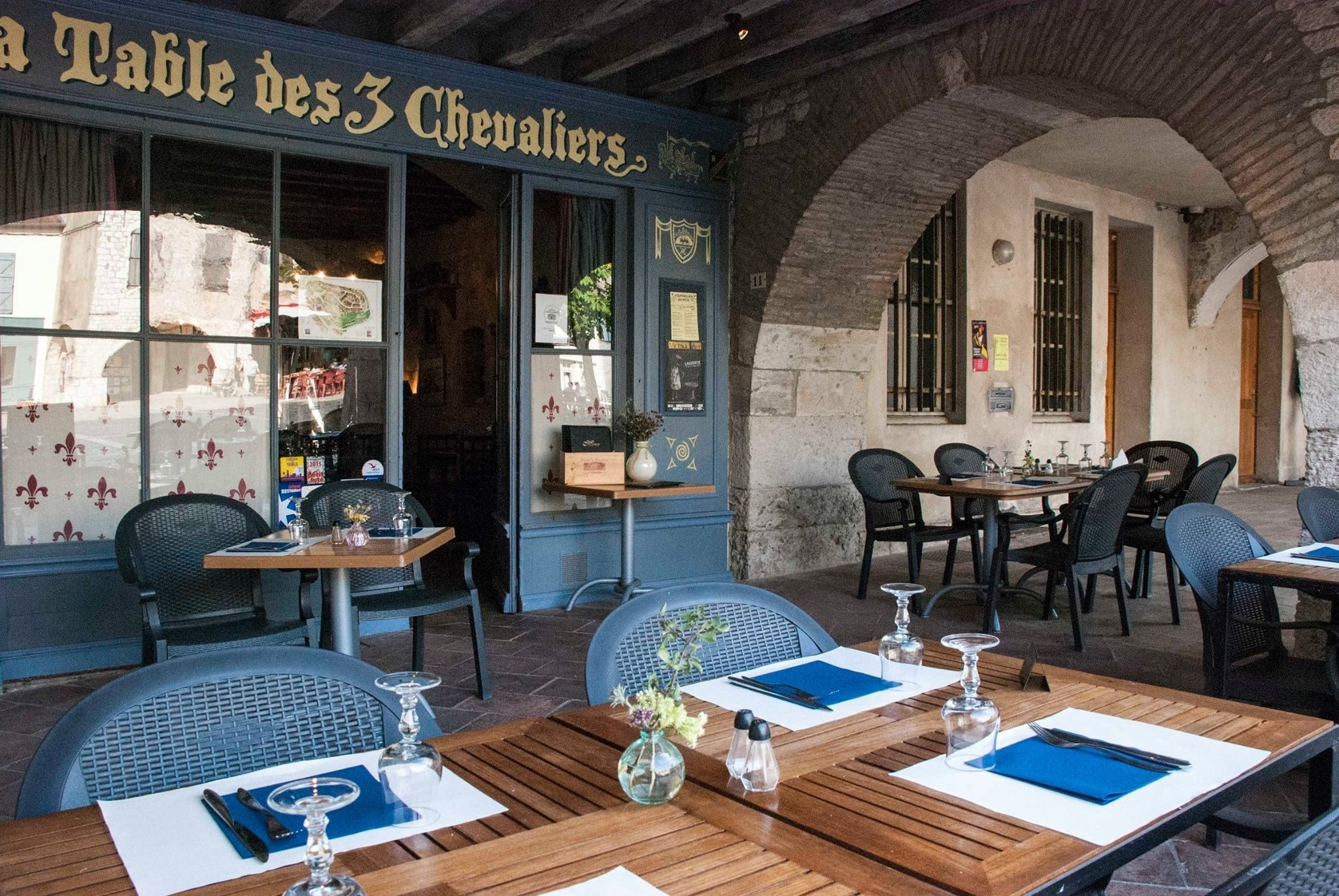 Manger à Lauzerte Les 3 chevaliers