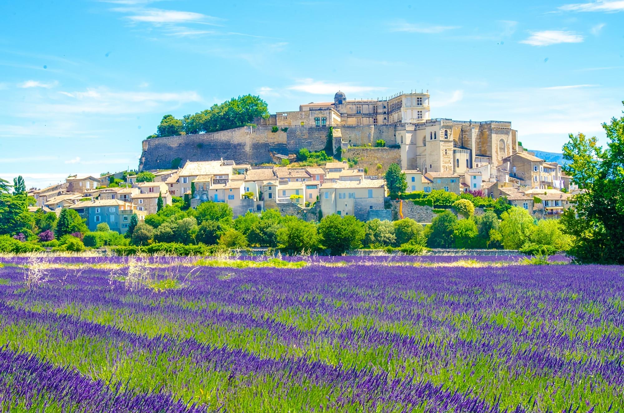 Idées week-end autour Montpellier : Vue aérienne Luberon