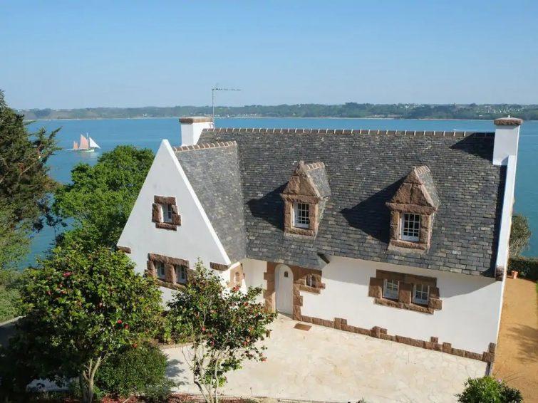 Maison classée 5* avec vue mer exceptionnelle.