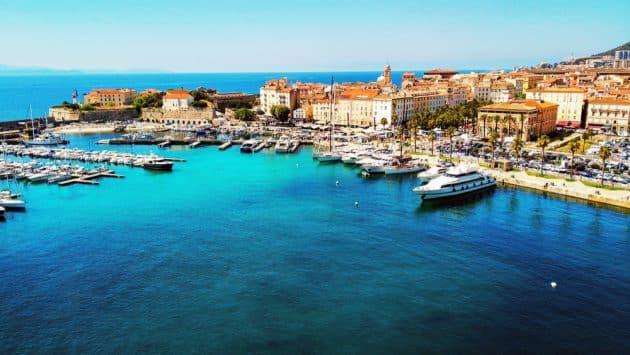 Location de bateau à Ajaccio : comment faire et où ?