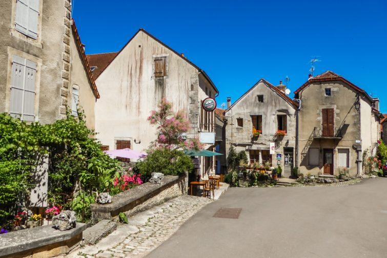 Villages de Bourgogne Franche-Comté :Flavigny-sur-Ozerain