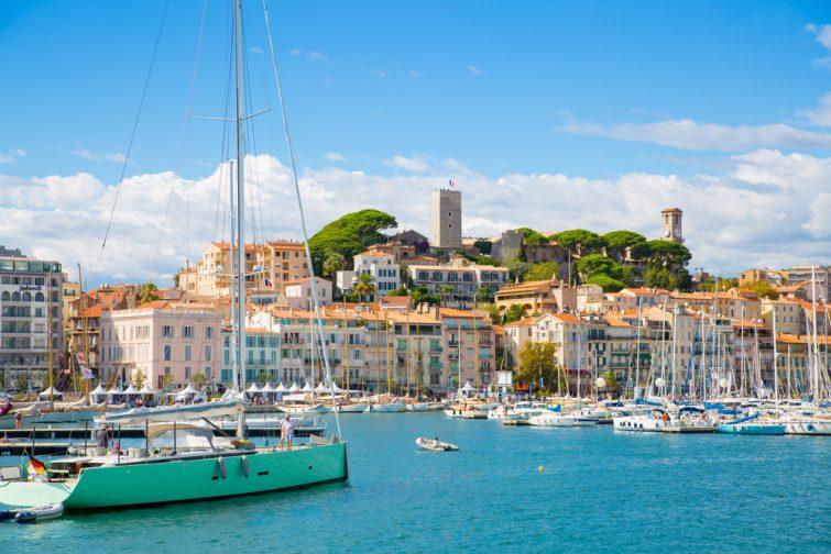 Vue sur Cannes et le vieux port