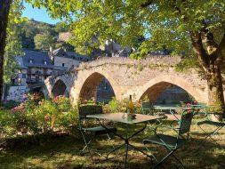 Manger à Belcastel : restaurant du Vieux Pont