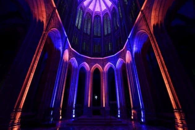 Entre mer et ciel : l'exposition immersive au coeur de l'abbaye du Mont-Saint-Michel