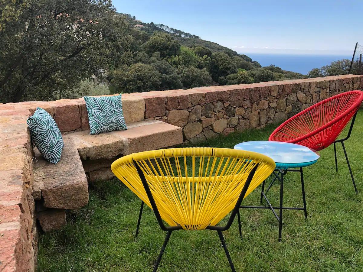 Charmant studio avec jardin vue mer