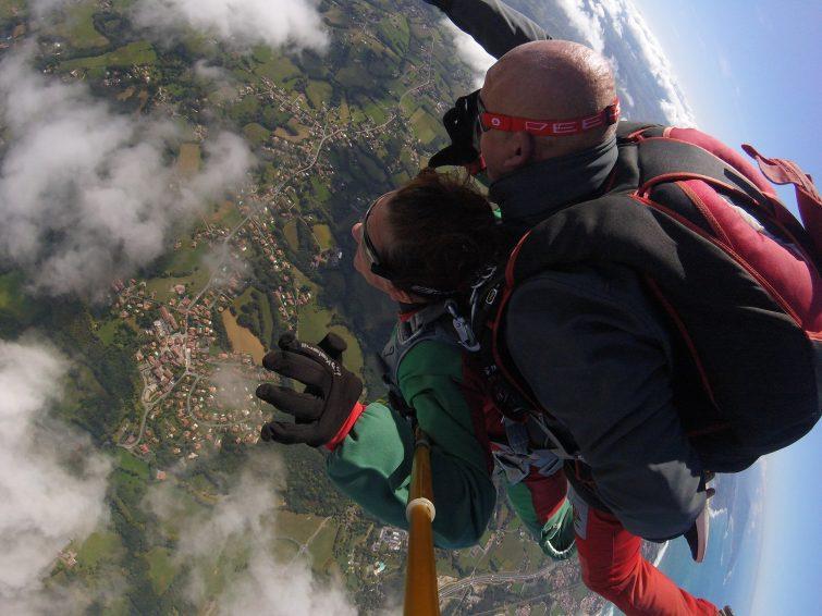 Saut en parachute à Biarritz