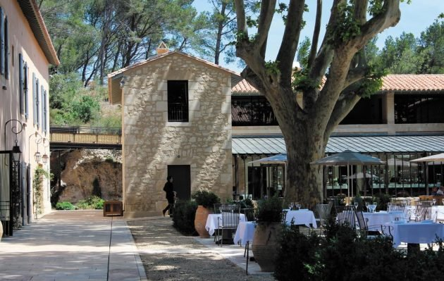 Où manger aux Baux-de-Provence ?