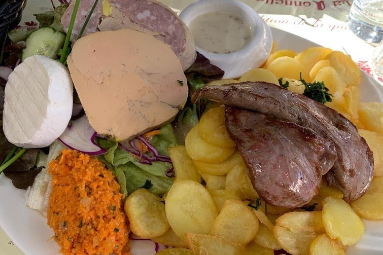 Où manger à Saint-Cirq-Lapopie : La Tonnelle