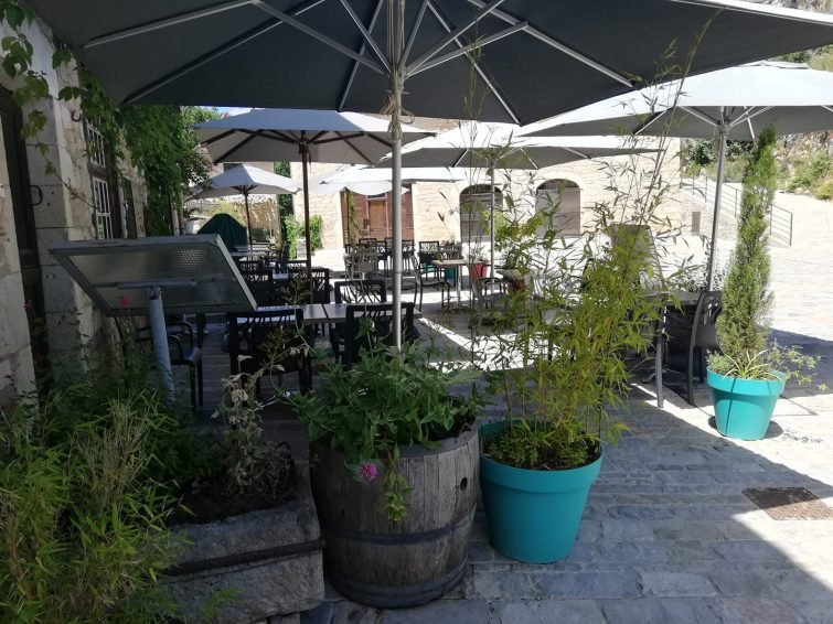 Où manger à Saint-Cirq-Lapopie : Restaurant Bar Les Fadas