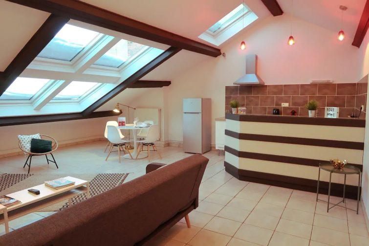 Airbnb Saint-Étienne - Lumière sous les toits