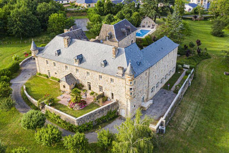 Où dormir Sainte Eulalie Olt : Château de la Falque, The Originals Relais (Relais du Silence)