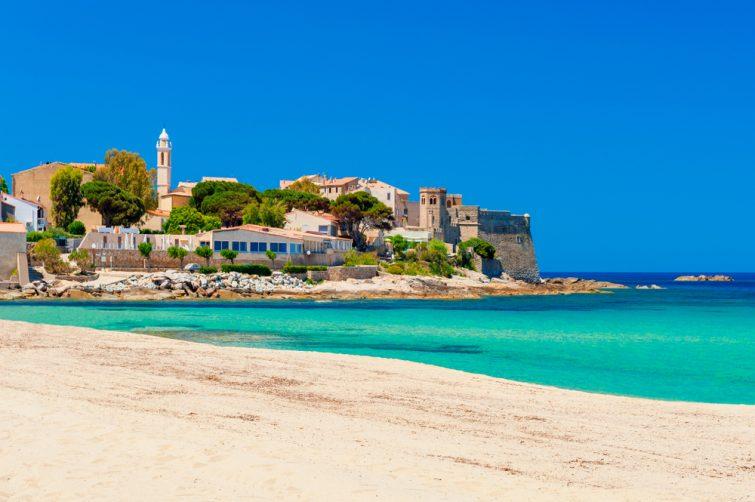 Plage et littoral de l'Algajola Corse France