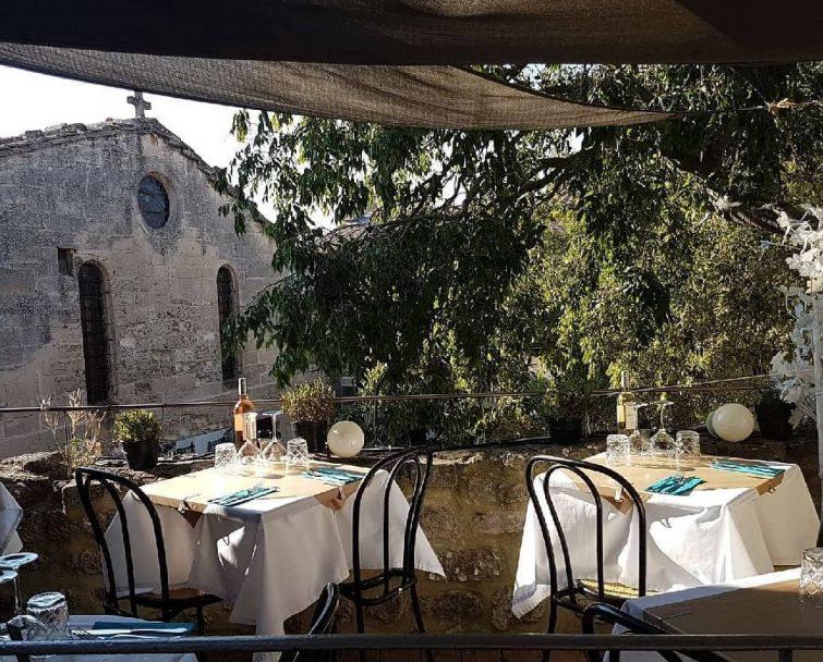 Une table au soleil, Baux-de-Provence