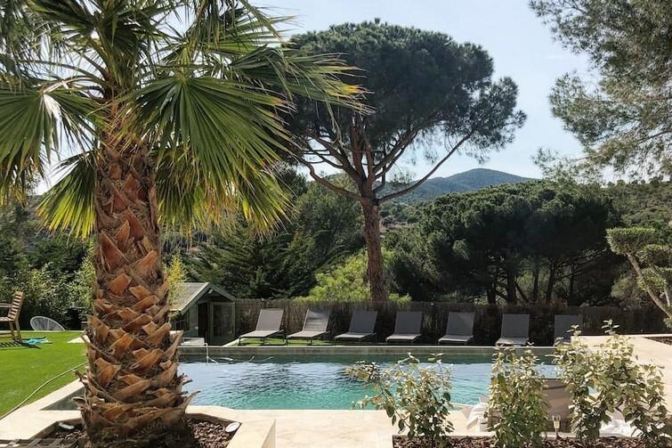 "Studio ""2"" dans Villa avec piscine et jacuzzi"