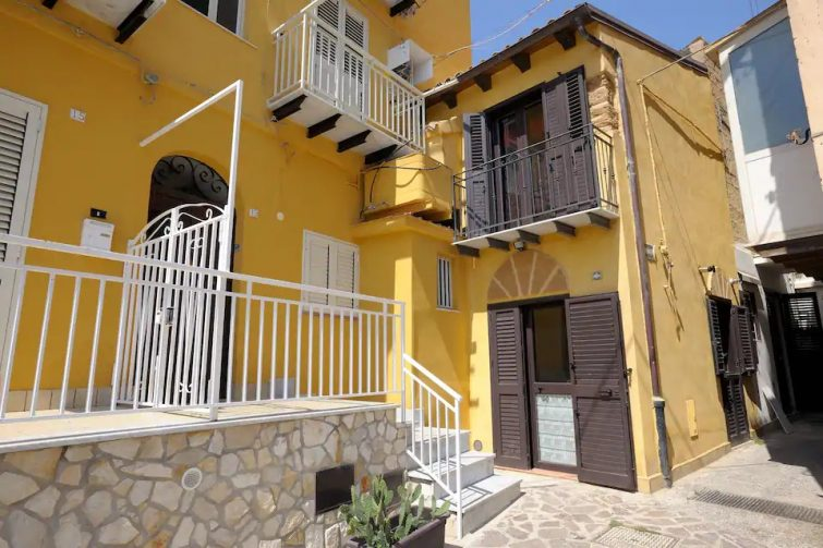 Vecchia Girgenti - Holiday Apartment - Short Lets