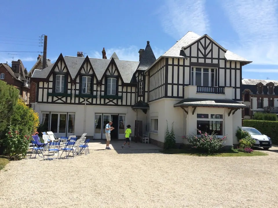 Villa front de mer accès direct plage