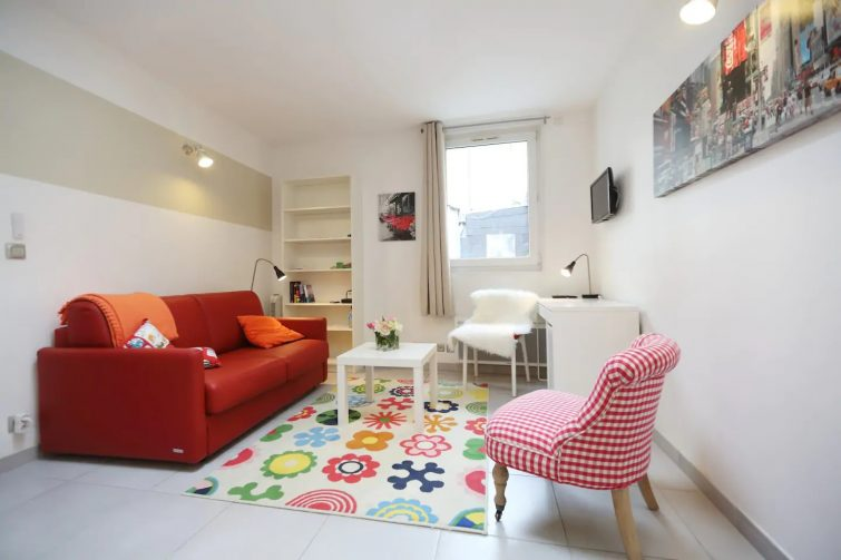 Calme quiétude, plein coeur de ville vue sur toit - Airbnb Tours