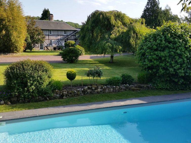 Belle longère rénovée avec piscine à Houlgate