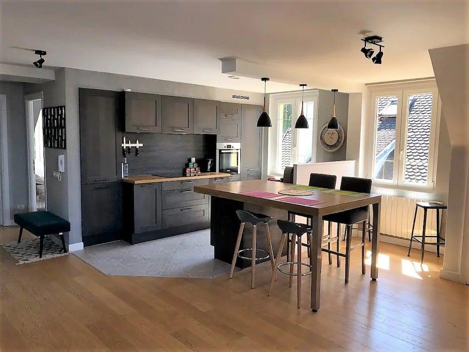 Appartement de Charme, 2 chambres, Evian / vue Lac
