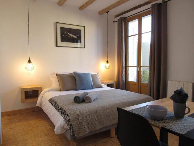"""""""Le Troisième"""" studio de charme en centre ville - Airbnb Évian"""