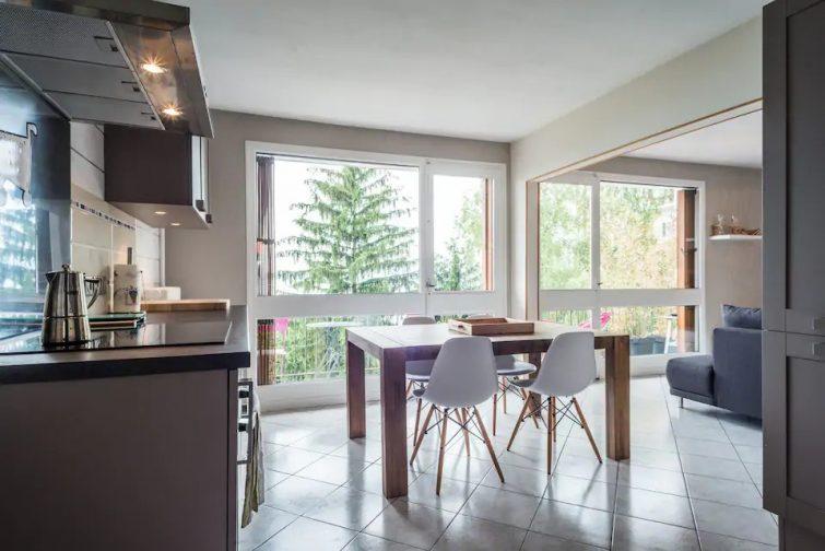 Appartement lumineux avec vue sur le lac - Airbnb Évian