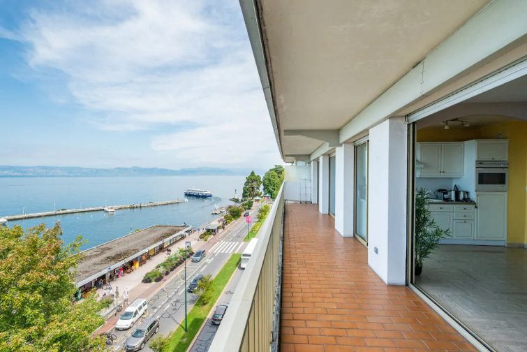 The best location in Evian with Lake stunning view - Airbnb Évian