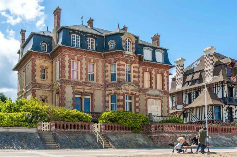 Magique! Très grande Villa les pieds dans l'eau - Airbnb Houlgate