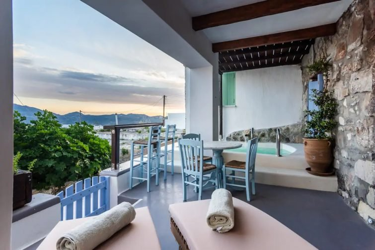 Casa Rustica-Luxury Cavehouse with view - Airbnb Milos