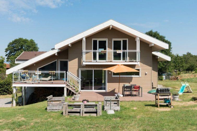 Maison en bois spacieuse entre lac et montagnes - Airbnb Évian