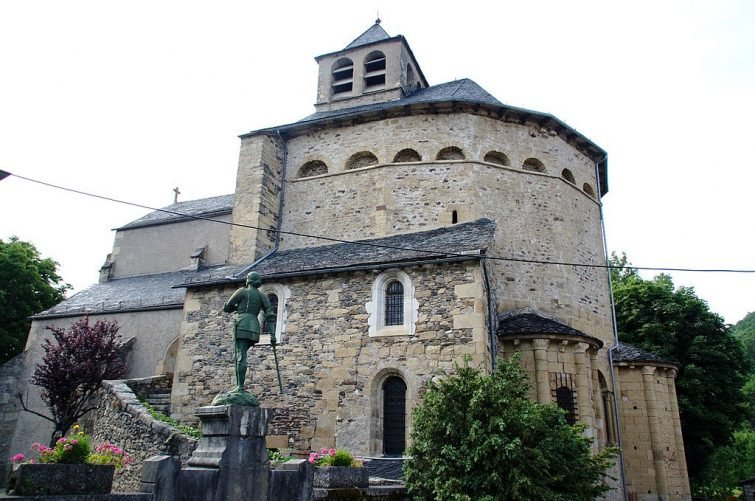 visiter Sainte-Eulalie-d'Olt - Eglise Romane