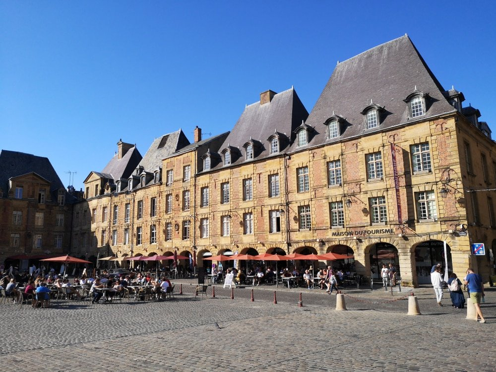 visiter Ardennes - Place Ducale Charleville