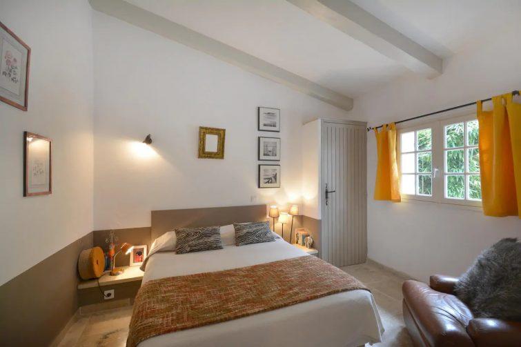 Airbnb Baux-de-Provence : Au pied du Mont Valence