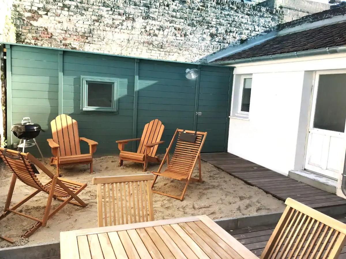 LES BAINS, maison de vacances, accès a la plage