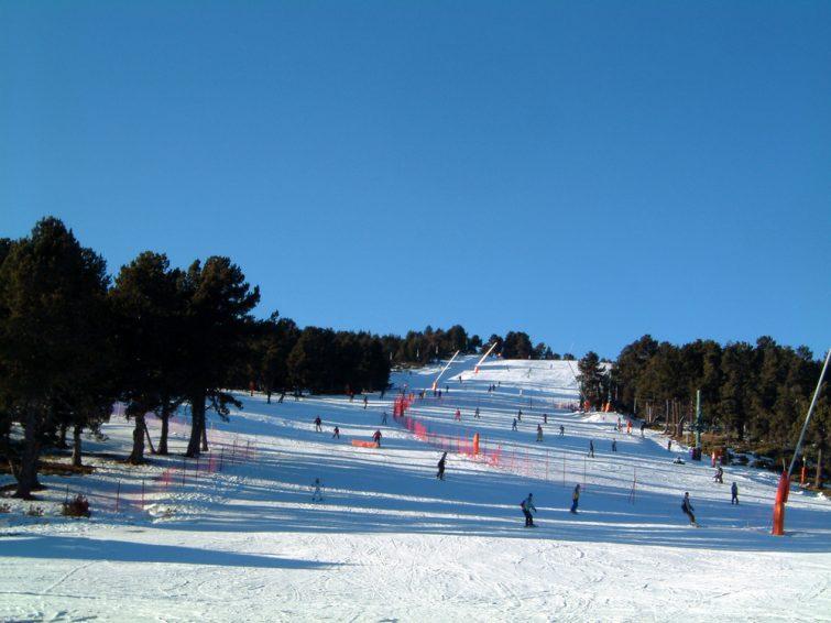 Visiter les Pyrénées-Orientales : Skier à Font-Romeu