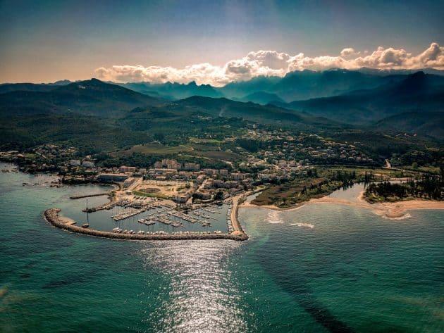 Location de bateau à Solenzara : comment faire et où ?