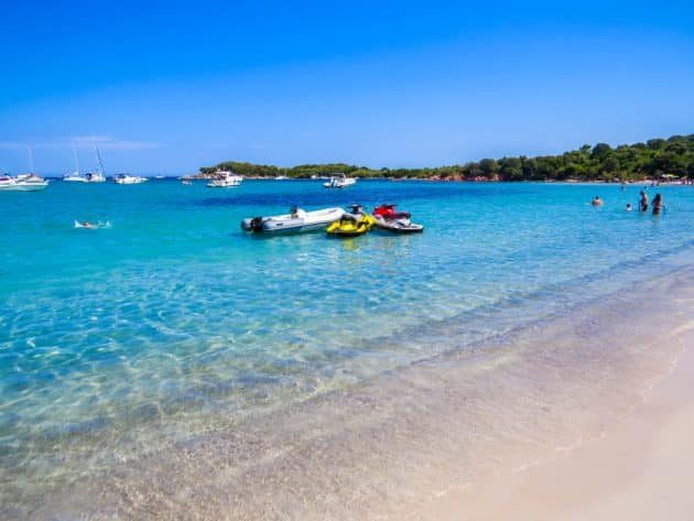 Location de bateau à San Ciprianu : comment faire et où ?