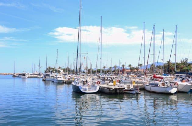 Location de bateau à Saint-Cyprien : comment faire et où ?