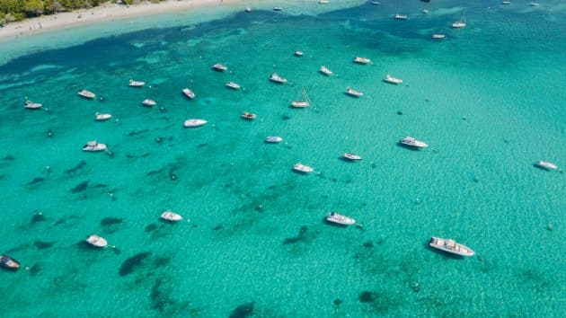 Location de bateau à Pinarello : comment faire et où ?