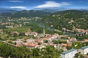 Visiter Aubenas en Ardèche : les incontournables à faire et à voir