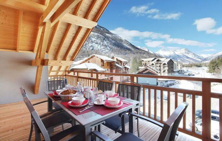 Appartement dans les Montagnes   Navette Gratuite + Wi-Fi + Accès Piscine!